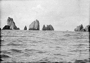 Pantai Watu Ulo Wikipedia Bahasa Indonesia Ensiklopedia Bebas Kab Jember