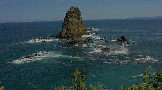 Watu Ulo Keindahan Tersembunyi Ulasan Pantai Kab Jember