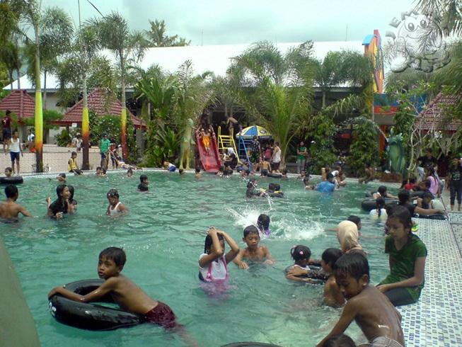 Dammiq Swimming Pool Swalayan Cafe Jember Ajib Pemandian Kebon Agung
