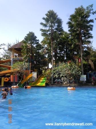 Renang Waterboom Tiara Jember Park Lianny Hendrawati Food Parklokasi 70