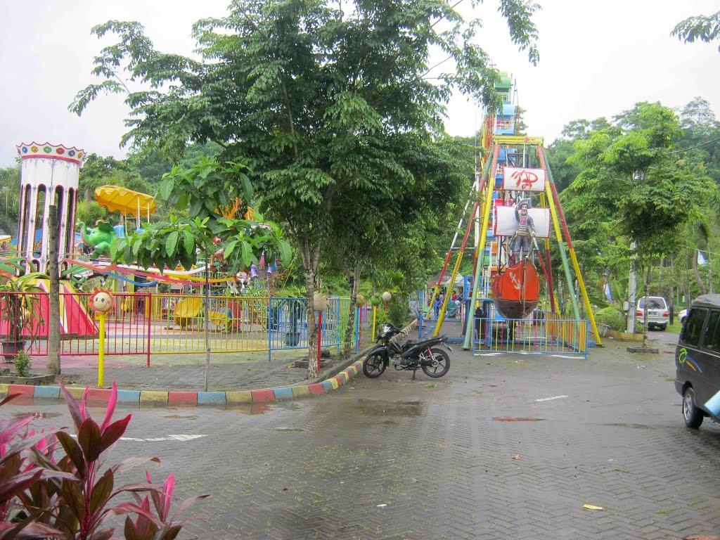 Tiara Jember Park Mapio Net Taman Air Kab