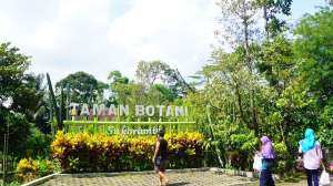 Taman Botani Sukorambi Bekerjasama Komunitas Fotografi Gelar Diundang Ikut Datang