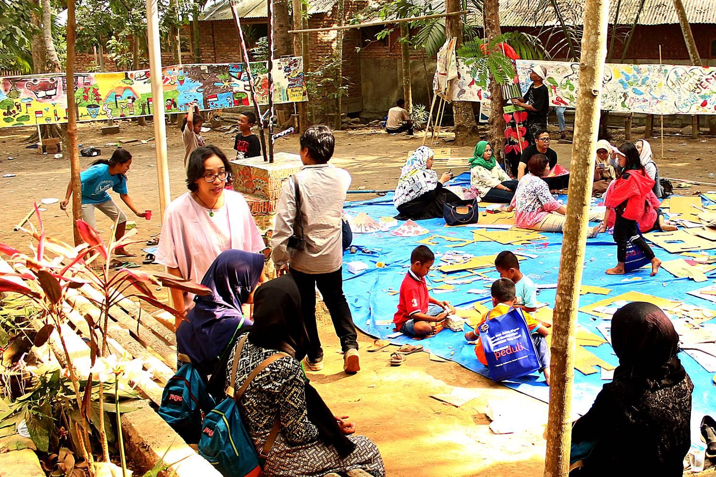 Festival Egrang Tanoker Ledokombo 6 Lokal Karya Kab Jember