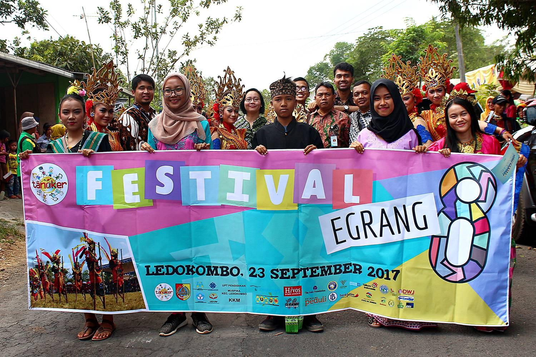 Festival Egrang Tanoker Ledokombo Jember Lokal Karya Kab