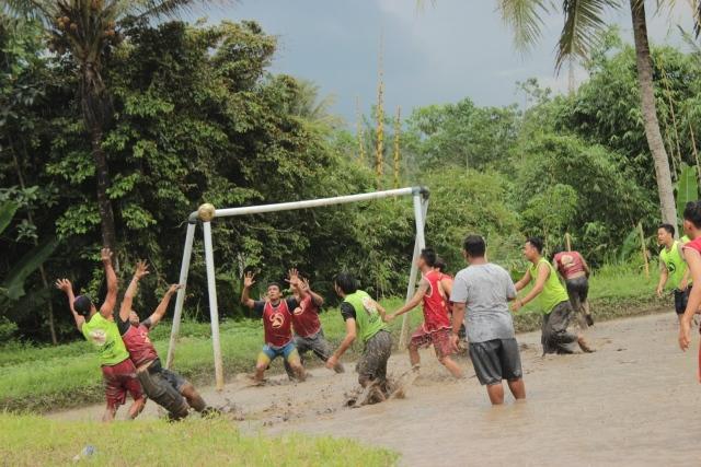 Kampung Wisata Tanoker Ledokombo Membawa Kembali Kenangan Ikon Egrang Sebagai