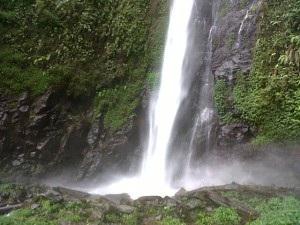 Daftar Tempat Wisata Jember Wajib Dikunjungi Zona Libur Air Terjun