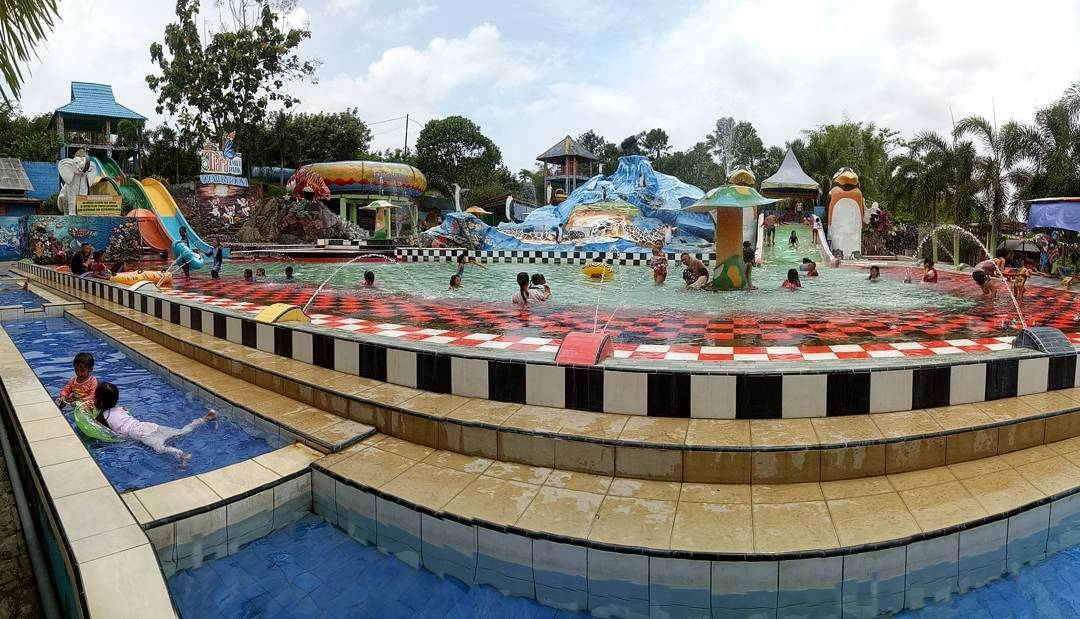 Lokasi Harga Tiket Masuk Kolam Renang Tiara Jember Park Waterboom