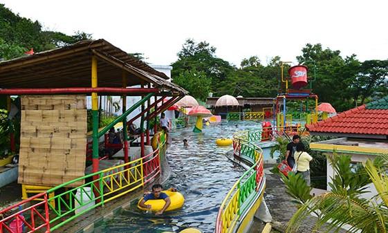 Waterboom Trip Jalan Harga Tiket Masuk Gajah Mungkur Wonogiri Niagara