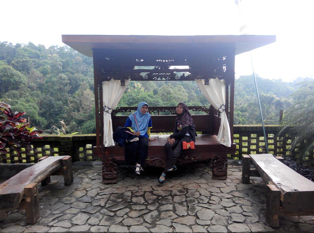 Kampoeng Djawi Tempat Wisata Jawa Wonosalam Enak Makanya Nggak Khawatir