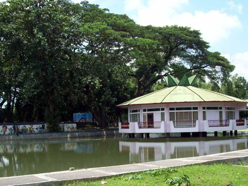 7 Obyek Wisata Jombang Patut Dikunjungi Taman Tirta Keplaksari Kebon