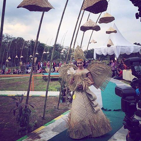 Jombang Info Instagram Photos Videos Tadii Fashion Show Eco Creative