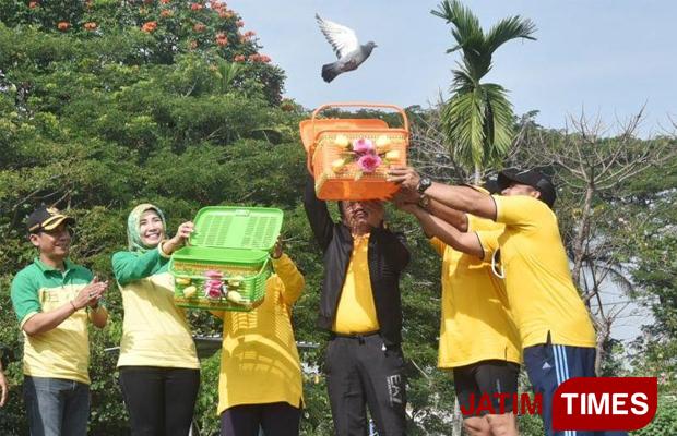 Merpati Terbang Tandai Pembukaan Jombang Eco Creatif Times Jec Taman