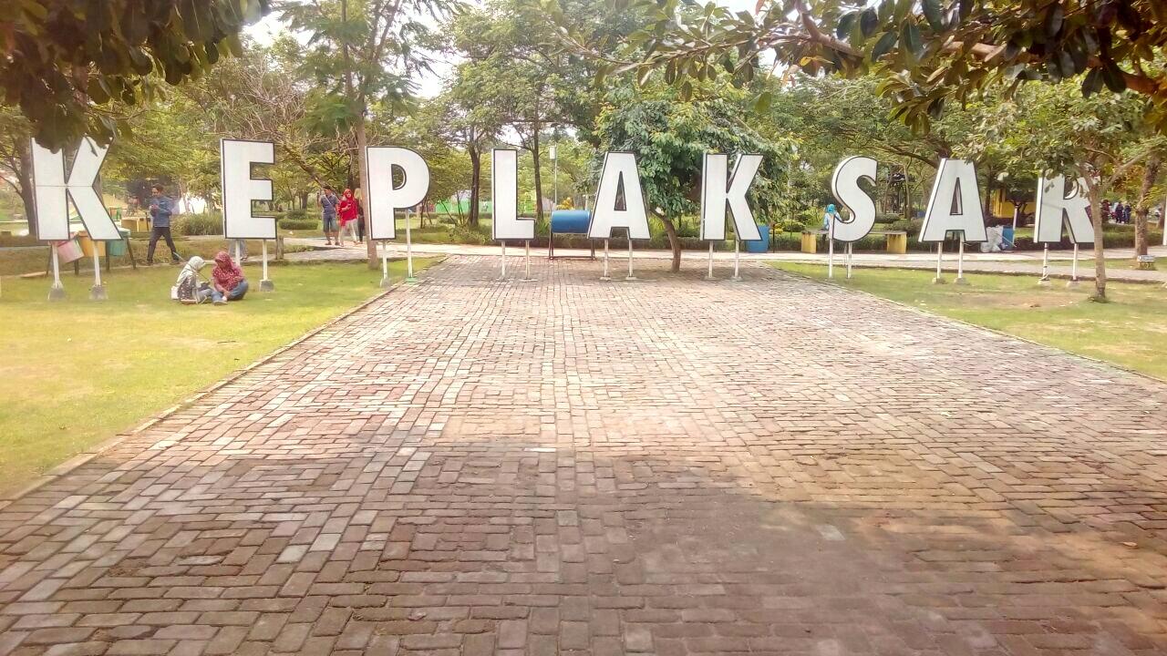 Rth Keplaksari Kerennya Taman Jombang Beriman Kebon Ratu Kab