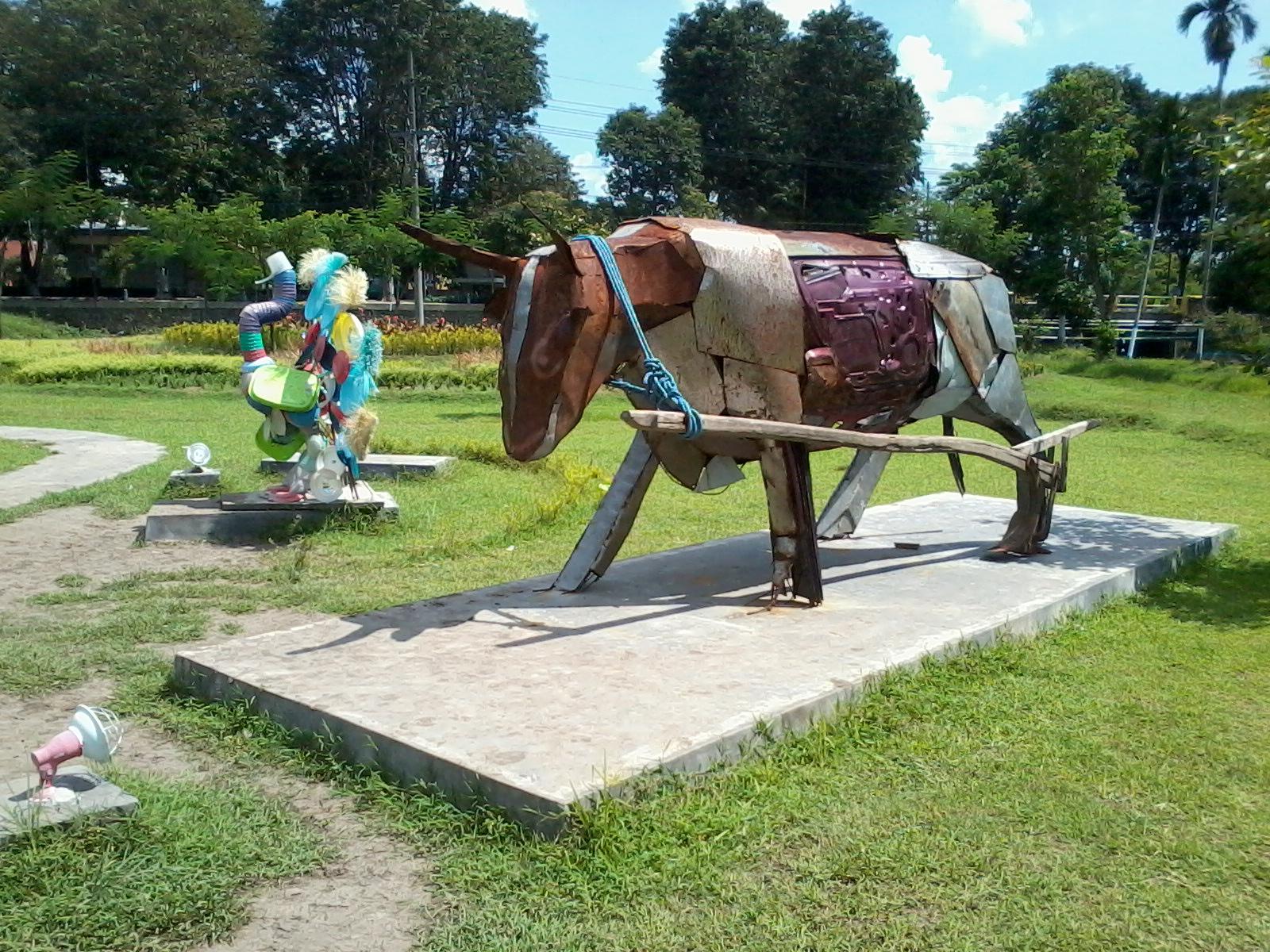 Taman Kebon Ratu Keplak Sari Jombang Sebelah Barat Rumah Teletubis