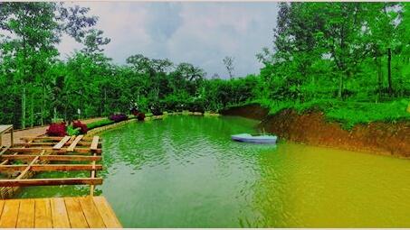 Wisata Rumah Hobbit Eco Banyu Mili Carang Wulung Wonosalam Jombang