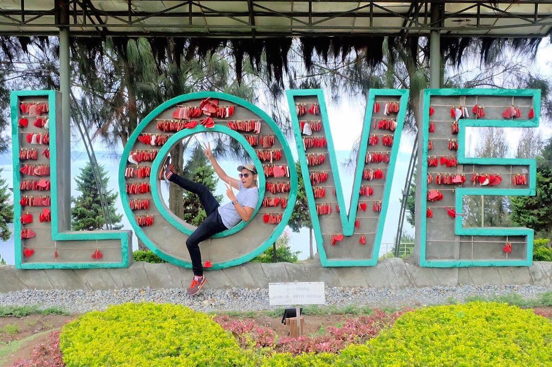 Piknikyok Lokasi Harga Tiket Masuk Taman Simalem Resort Ponggok Banjarsari