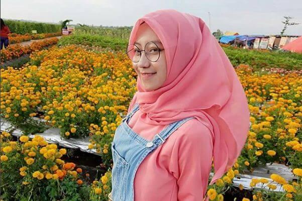 Temukan Keindahan Berbagai Bunga Cantik Taman Ponggok Jombang Fasilitas Wisata