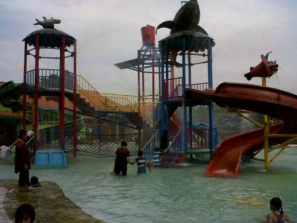 Inijombang Twitter 2 Waterboom Taman Tirta Wisata Keplaksari Peterongan Jombang