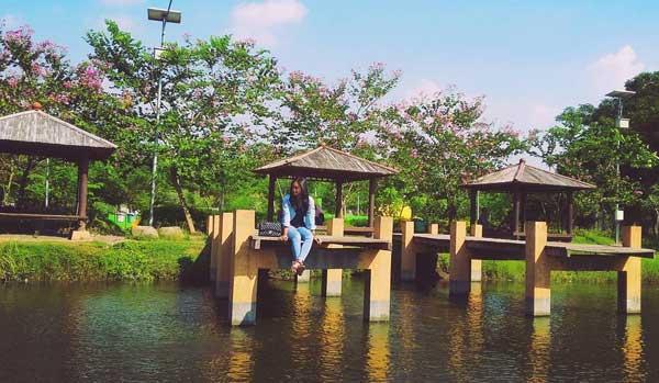 Nih 10 Tempat Wisata Jombang Pas Bersantai Taman Keplaksari Tirta