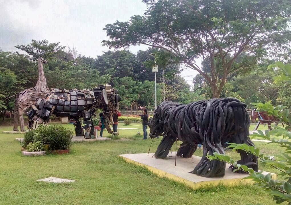 Rth Keplaksari Kerennya Taman Jombang Beriman Asri Pedagang Asongan Pasif