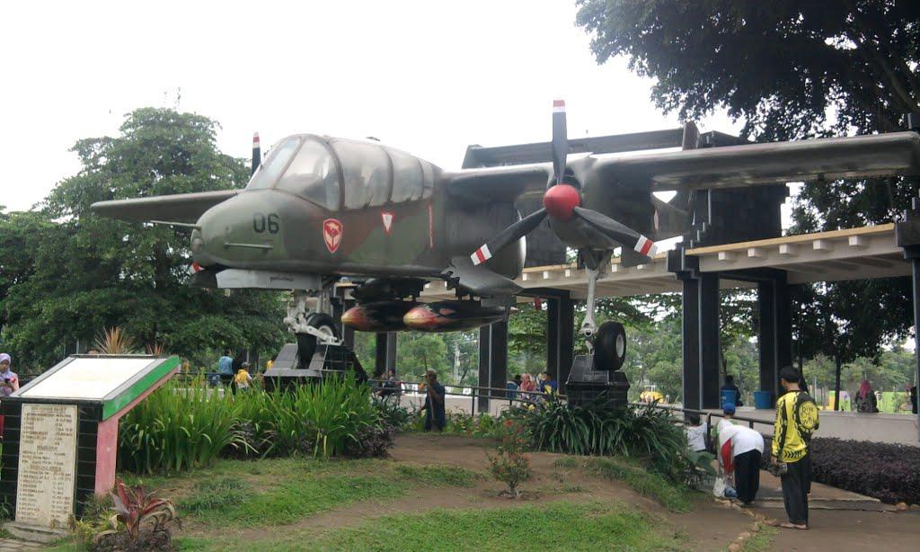 Taman Keplaksari Jombang Mapio Net Monumen Dirgantara Tirta Wisata Kab