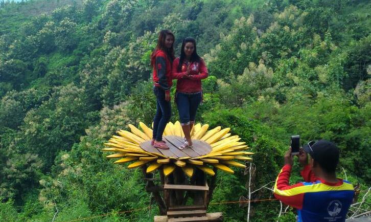 Goa Jepang Jombang Tempat Menarik Berselfi Ria Gapura News Foto