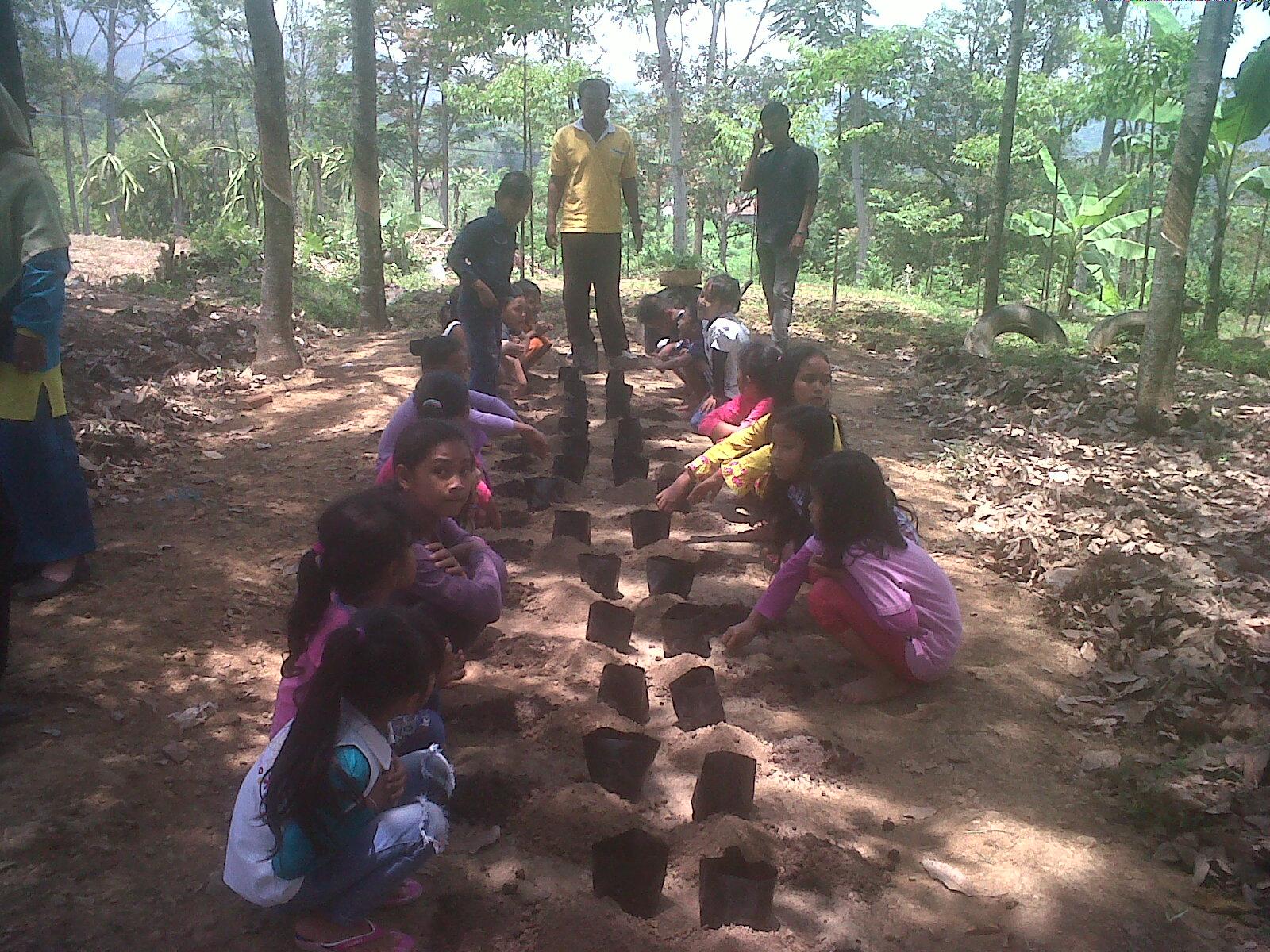 Agro Wisata Kampoeng Karet Gunung Lawu Januari 2016 Asyiknya Lomba