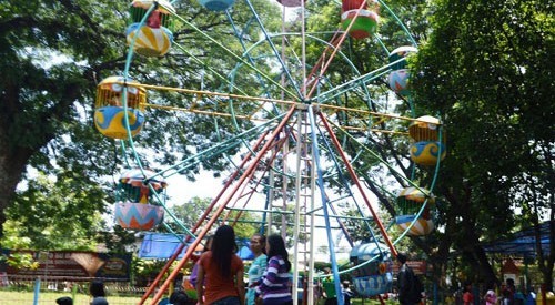 Taman Wisata Solo Laksana Hotel Keluarga Sondokoro Karanganyar Agrowisata Tasikmadu