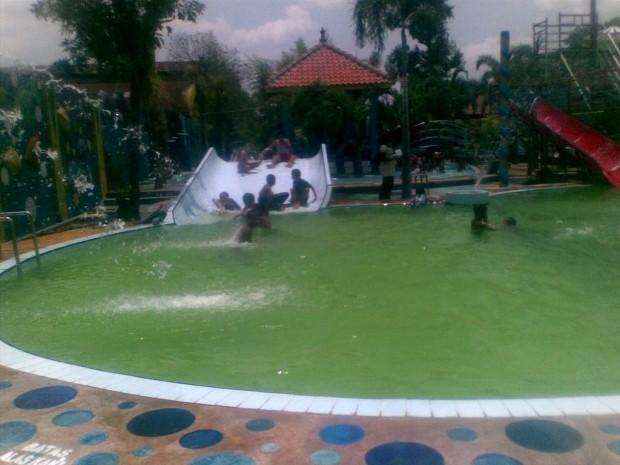 Tempat Wisata Keluarga Agrowisata Sondokoro Karanganyar Informasi Water Park Tasik