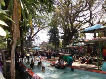 Wisata Karanganyar Asik Wahana Sondokoro Suasana Water Boom Agrowisata Tasikmadu