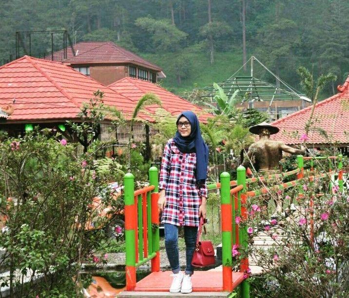 Menengok Keindahan Bukit Sekipan Karanganyar Jawa Tengah Berbau Alam Taman