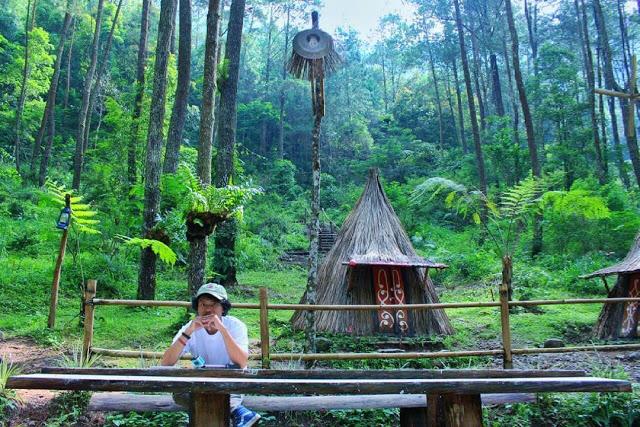 Top 11 Tempat Wisata Karanganyar Jawa Tengah Direkomendasikan Pemandangan Bukit
