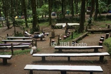 Wisata Karanganyar Pemkab Tambah Fasilitas Cemoro Kandang Panggung Mini Bukit