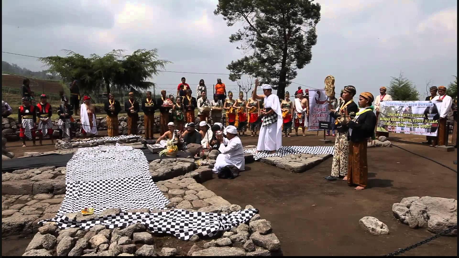 Acara Mbeber Keris Jusuf Kalla Candi Cetho Karanganyar Surakarta Part