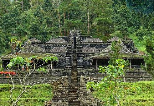 Candi Cetho Karanganyar Idsejarah Net Terletak Dusun Ceto Desa Gumeng