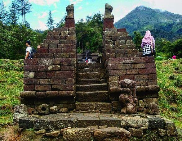 Candi Cetho Karanganyar Lokasi Sejarah Misteri Mitos Relief Ceto Kab