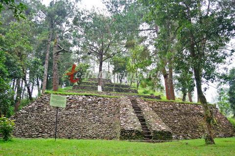 Candi Kethek Karanganyar Situs Misterius Pinggir Hutan Gunung Secara Utuh
