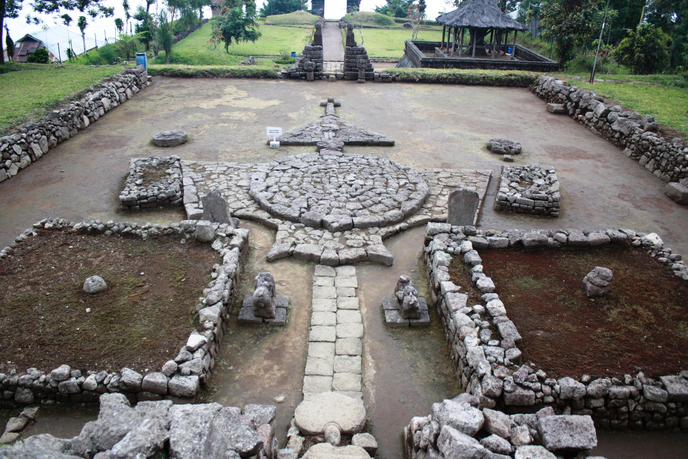 File Dsc00185 Java Centre Solo East Candi Cetho 15 Century
