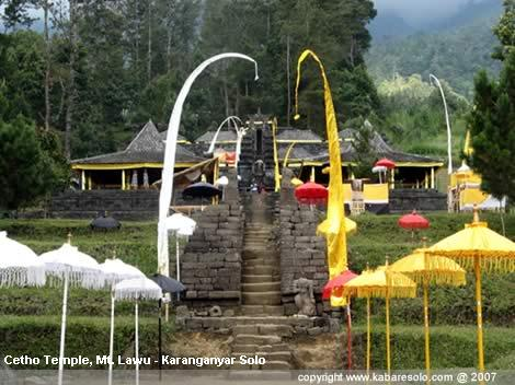 Ghost Tourism Candi Cetho Tawangmangu Discovered State Temple Stone Ruins
