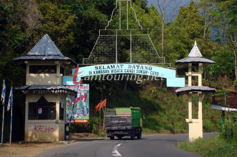 Pos Retribusi Candi Sukuh Cetho Karanganyar Teamtouring Gerbang Ceto Kab