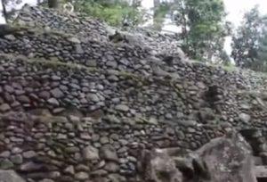 Destinasi Tempat Wisata Menarik Kabupaten Karanganyar Jawa Candi Kethek Kab