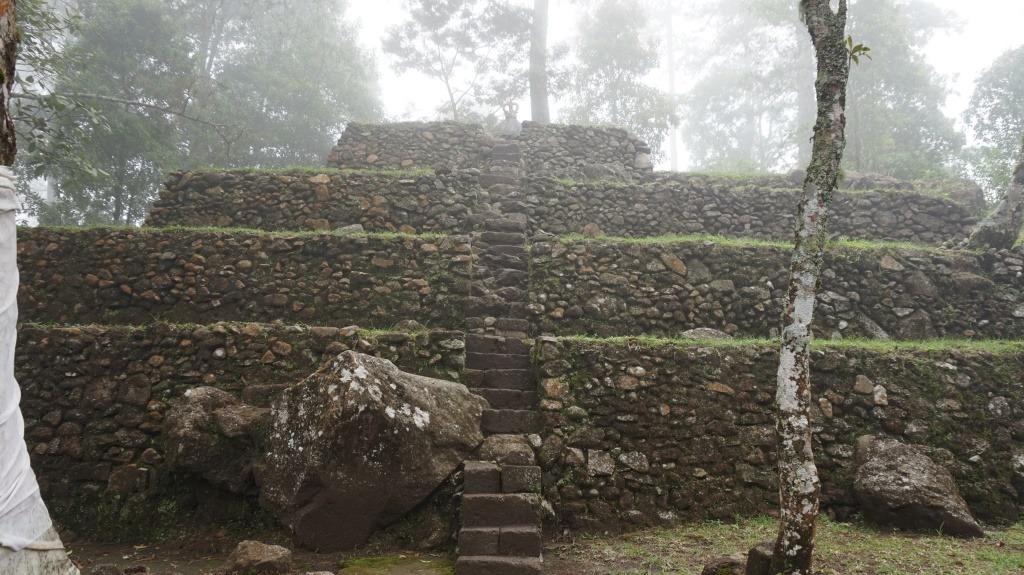 Ferus Amazo Wanderlust Project Mountain Lawu Karanganyar Lho Candi Kethek