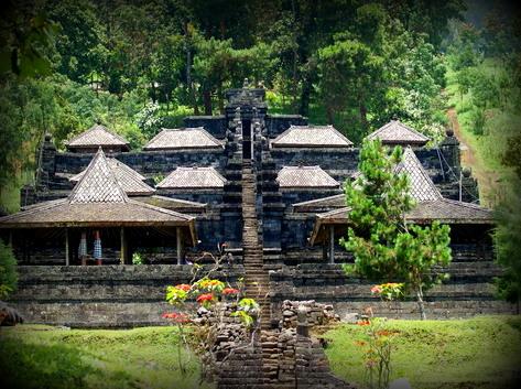 Perjalanan Tak Berujung Mistis Gerimis Candi Cetho Sukuh Kab Karanganyar
