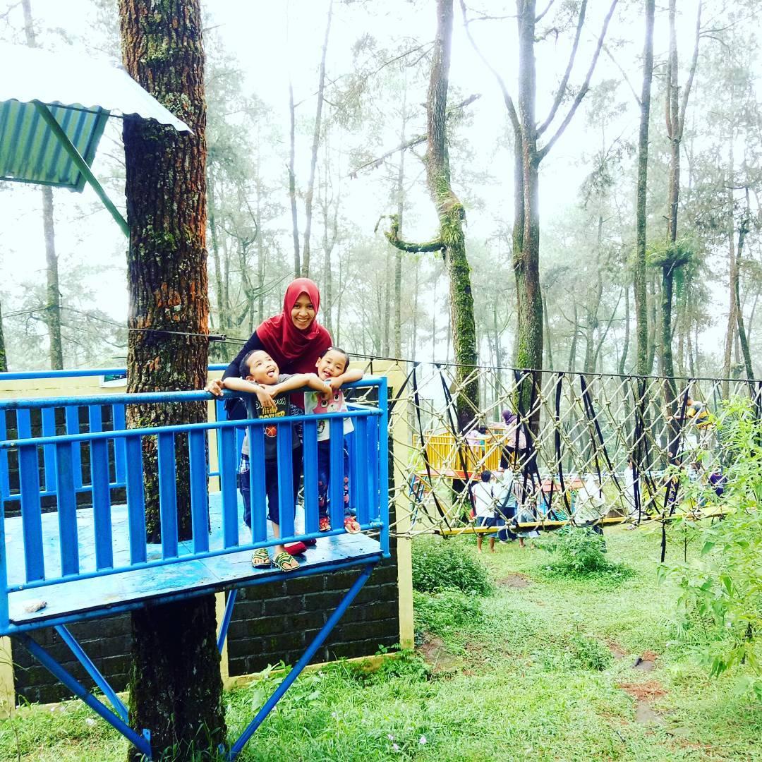 Exsplore Wisata Karanganyar Exploorisata Puri Taman Saraswati Satu Berlokasi Dukuh