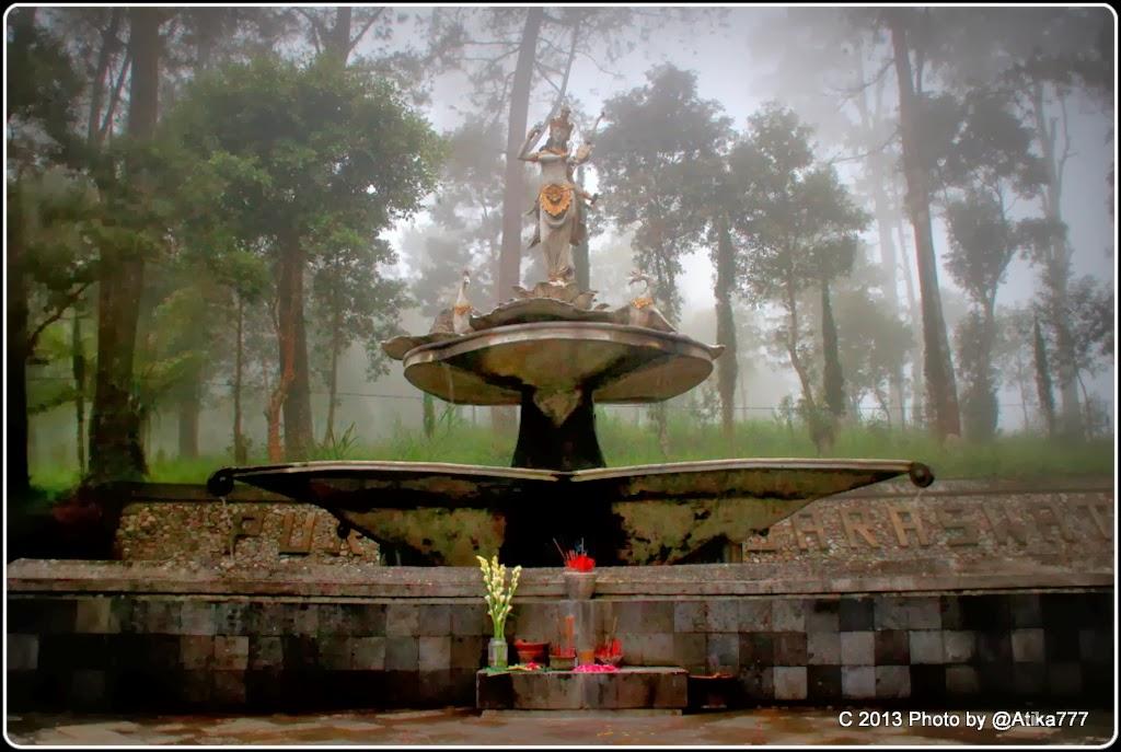 Sekar Rinonce Puri Taman Saraswati Dewi Ilmu Pengetahuan Seni Kab