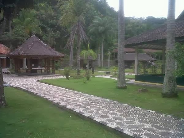 7 Mata Air Ajaib Kaki Gunung Lawu Pusatjaketgunung Www Belantaraindonesia