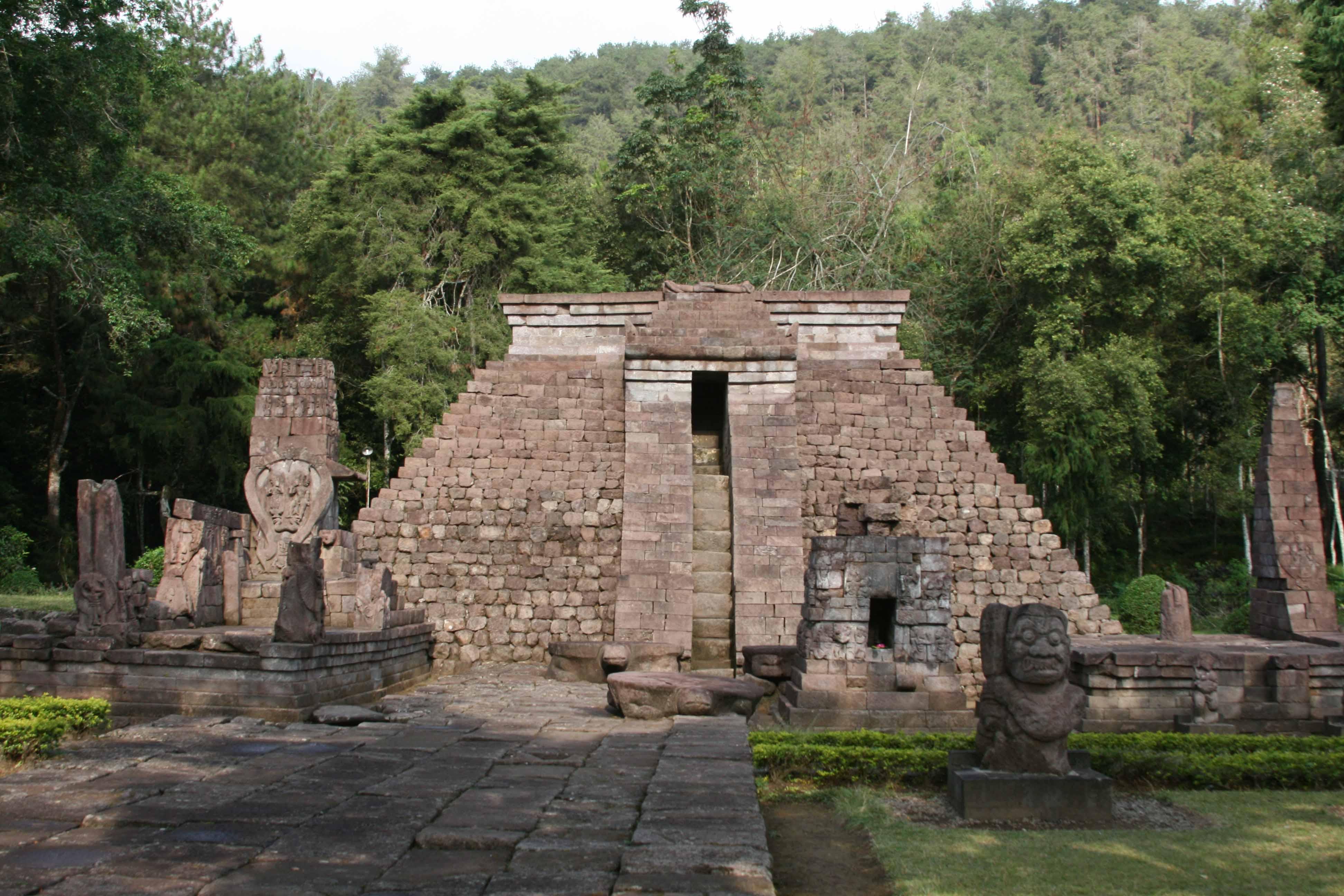 Wisata Pilihan Lereng Gunung Lawu Part Klikhotel Candi Sukuh Taman
