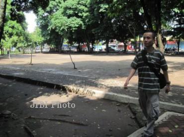 Desember Revitalisasi Taman Pancasila Ditarget Rampung Warga Melintas Sekitar Kabupaten