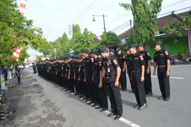 Gubernur Senkom Mitra Polri Kabupaten Karanganyar Acara Pelantikan Bupati Wakil