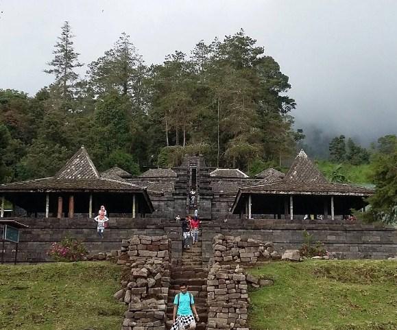 Daftar Objek Tempat Wisata Terindah Karanganyar Jawa Tengah Terdapat Candi